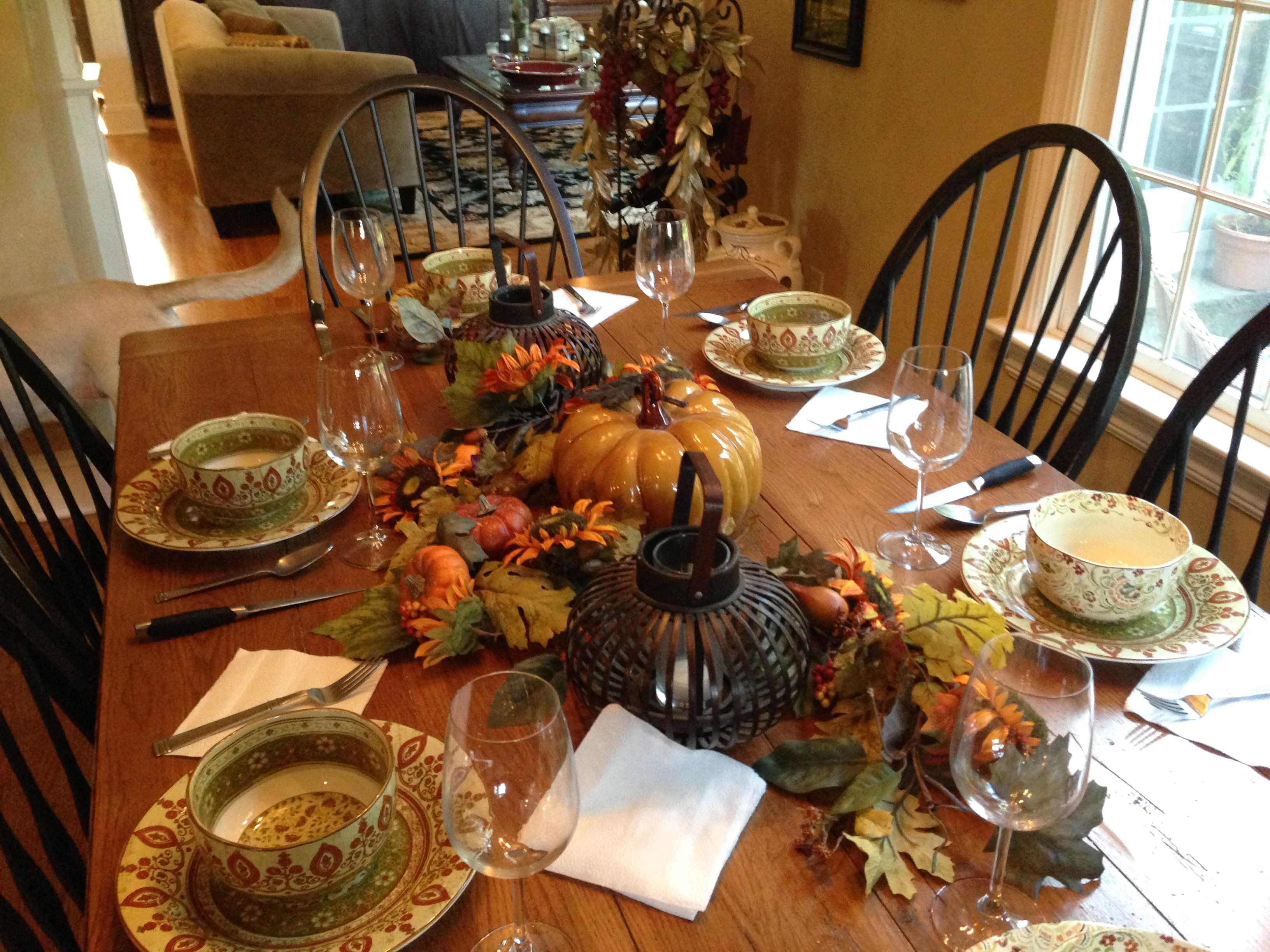 Autumn table decorating ideas fall table settings thanksgiving beautiful cozy fall decorating ideas that you can do it yourself to add warmth and excitement to the house fits halloween and thanksgiving solutioingenieria Gallery