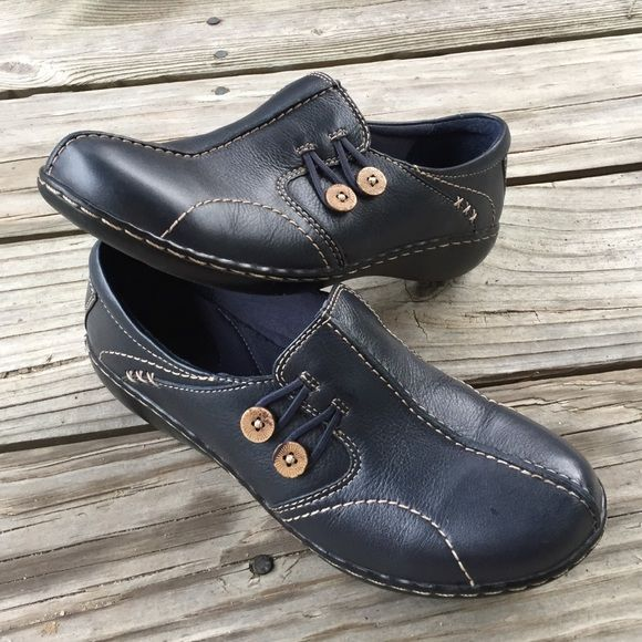Women's Clarks slip ins Women Clarks bendables Navy Blue Leather wooden  Button Slip On Loafer Shoe Description Women Clarks bendables Navy Blue Lea…