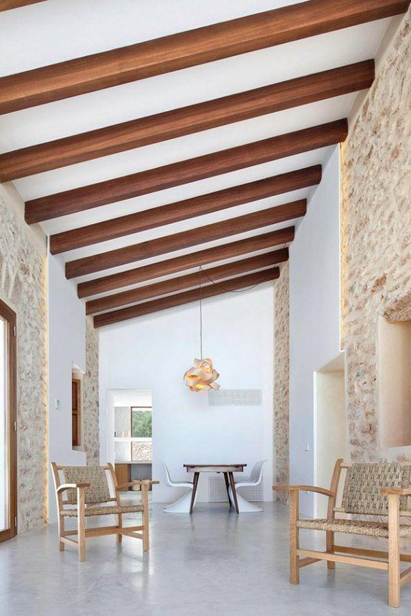 Weekend Escape A Modern Villa On Formentera Houten Balken Plafond Balken Plafonds Huis Interieur