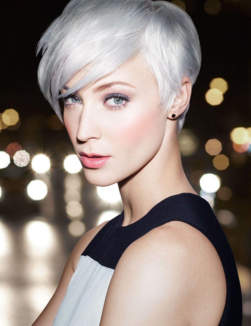 Grautone Sind Das Neue Blond Wem Passt Die Graue Haare Kurzhaarfrisuren Haarfarben Frisuren Kurz