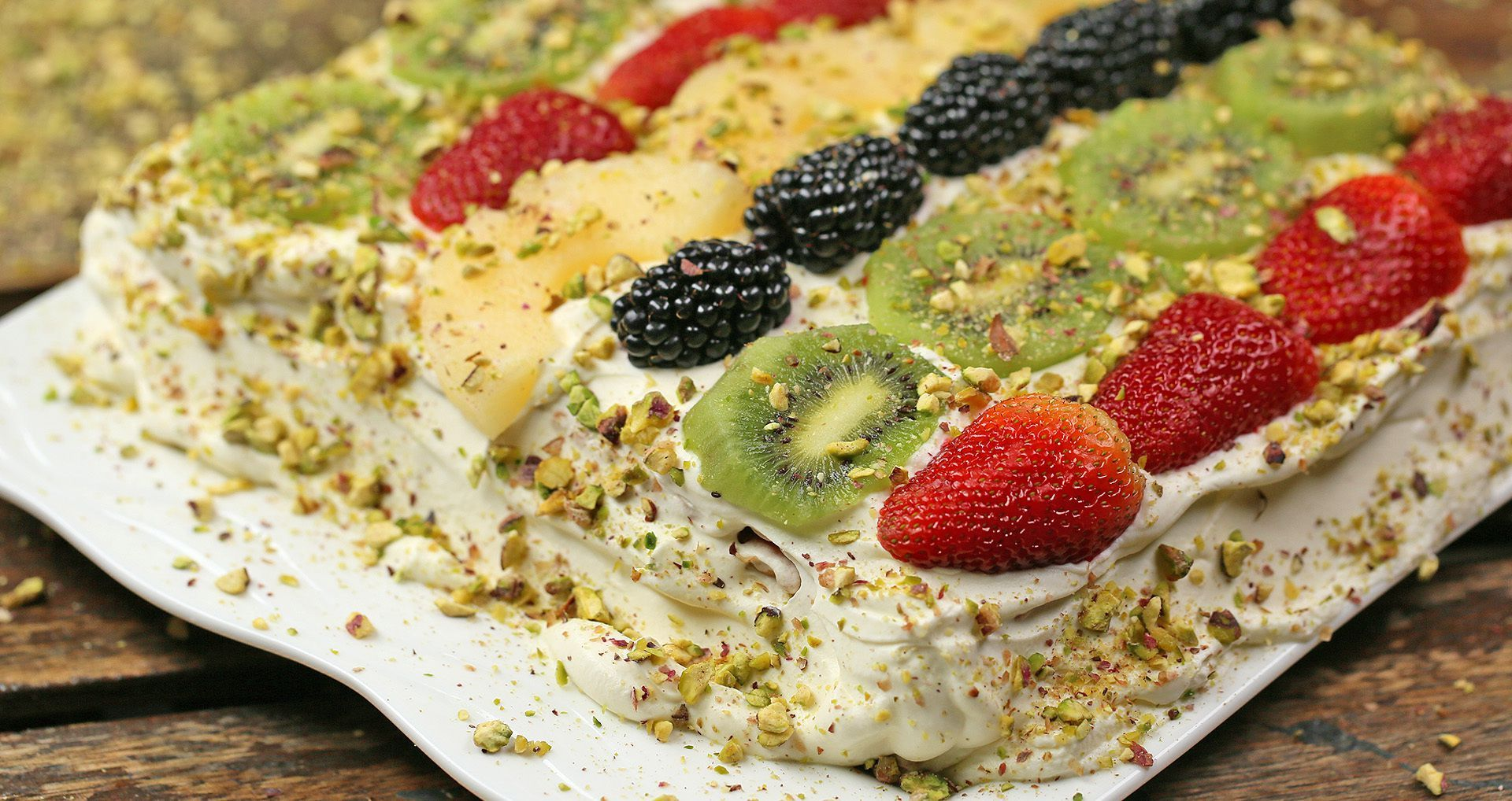 حلى طبقات البسكويت والكريمة Recipe Food Breakfast Oatmeal