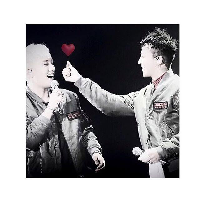 Take it, my heart❤️ #gd #gdragon #seungri #seungriseyo  #nyongtory #griisreal #gdtory #gdvi
