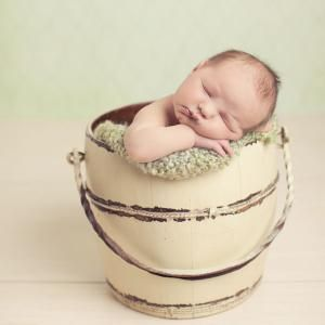 Great actions for newborn shots. :)