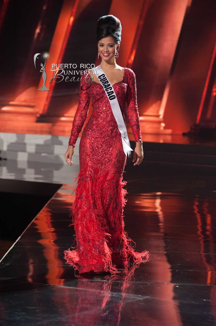 MISS UNIVERSE 2015 :: PRELIMINARY EVENING GOWN COMPETITION