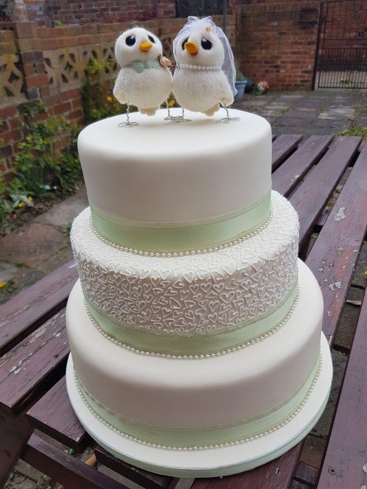 Wedding cake, simple, royal icing piping, elegant Royal