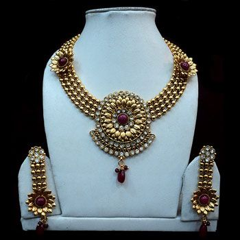 Maroon, Off White and Golden Color Stone Studded Necklace Set