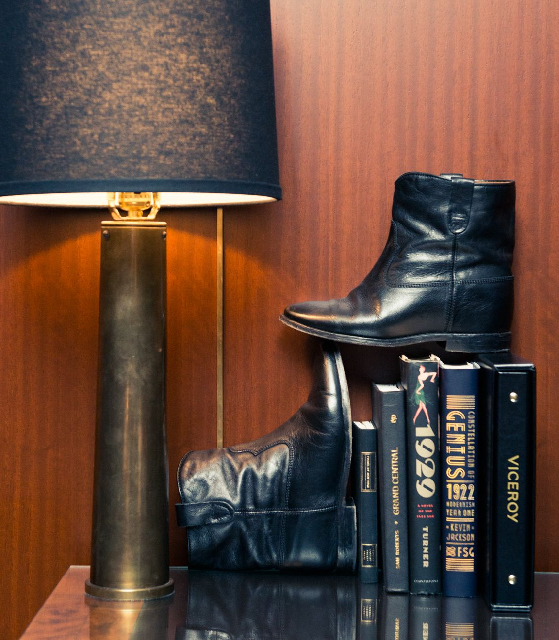 Phoebe Tonkin Phoebe tonkin, Boots, Fashion shoes