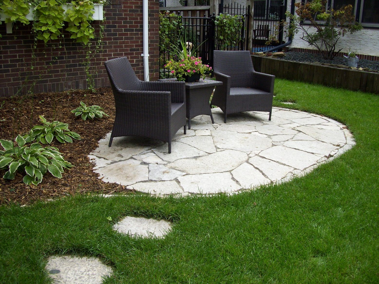 Image gallery inexpensive backyard patio ideas for Patio landscaping ideas on a budget