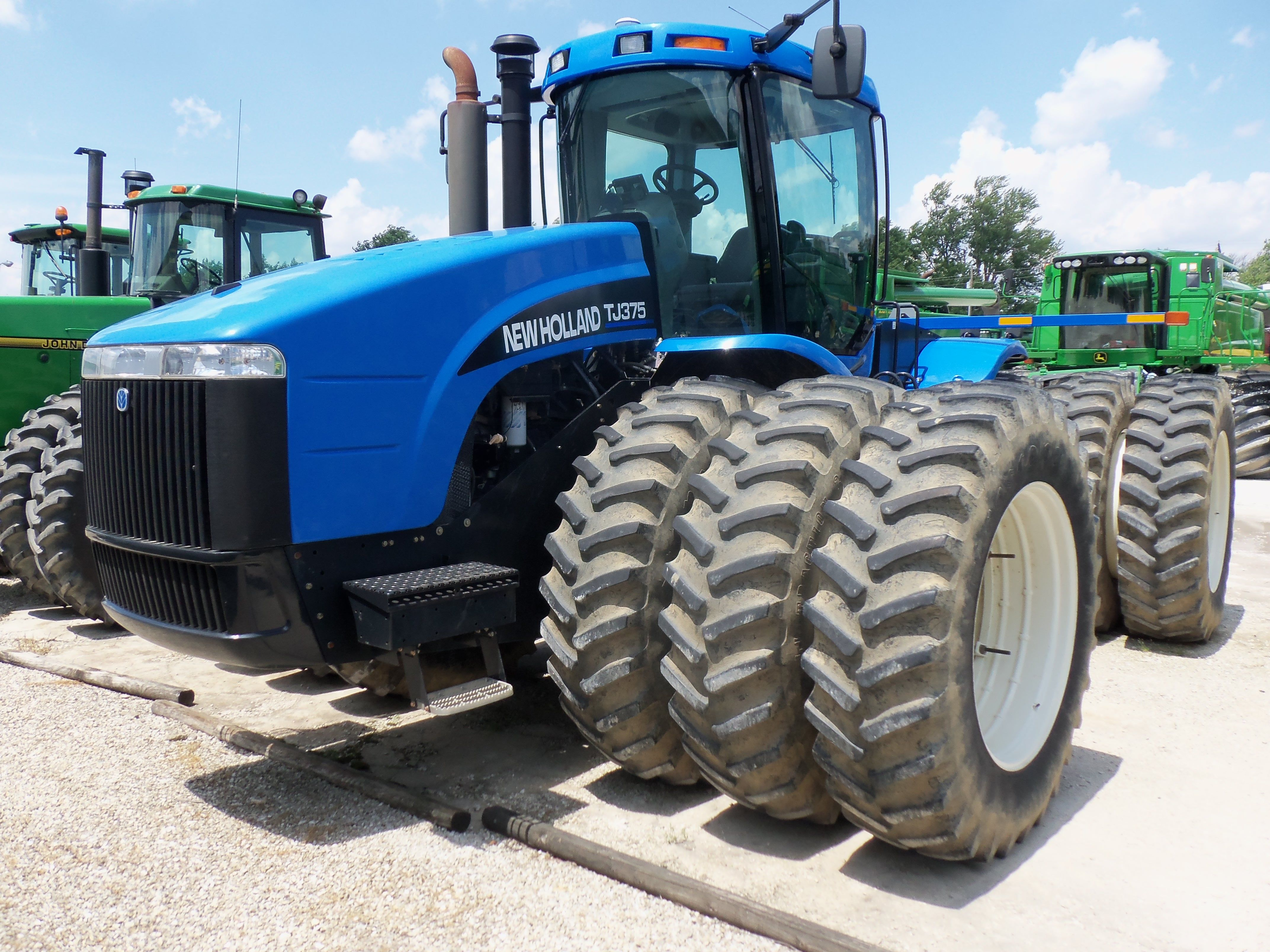 375 Hp New Holland Tj375 With Triples New Holland Tractor Ford