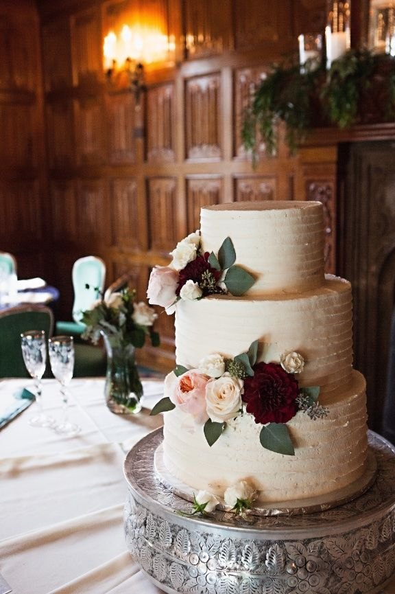 Lexington castle wedding cakes