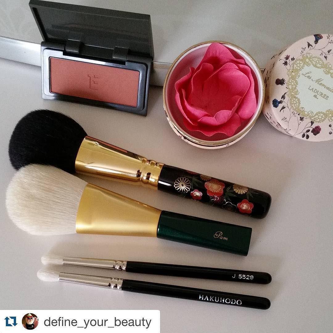 #Repost @define_your_beauty with @repostapp.  Thank you @fudejapan @toshiyafukuma for my pretties!  Laduree blush in 105 Three blush in 08 Chikuhodo miyabi brush Kihtisu brush and hakuhodo J5529. Thank you for the sweets as well! #fudejapan #chikihodo #hakuhodo #laduree #ladureelesmerveilleuses #kihitsu #beautyjunkie #makeupjunkie #makeupaddict #makeupporn