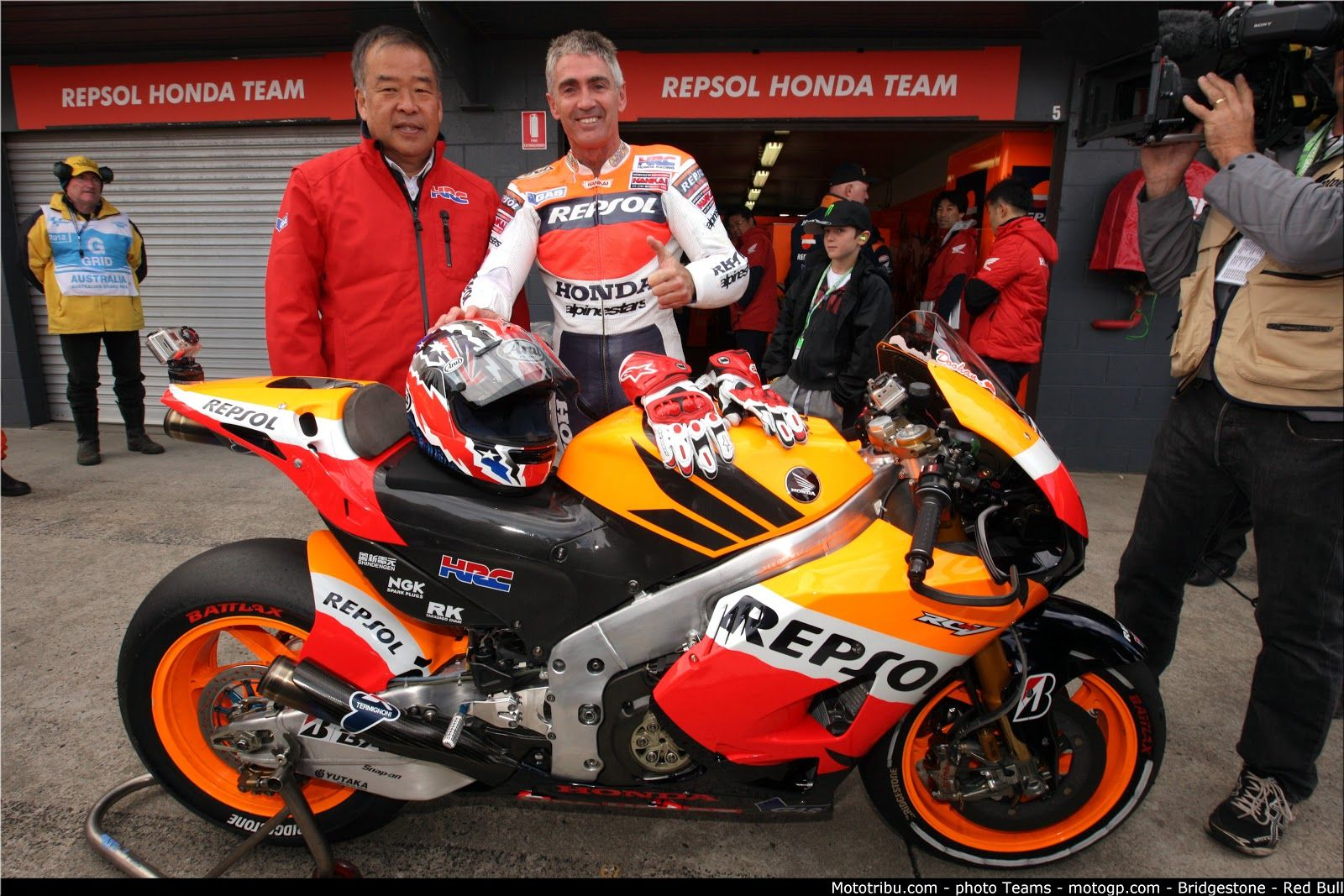 I bet he could hop on now and be near the front of the pack Mick Doohan @ Phillip Island 2012 - via Racing Cafe