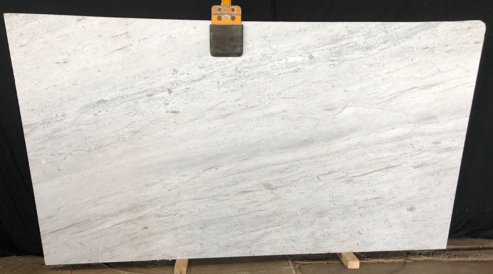 Glacierwhite Is Cool And Creamy With Flecks Of Beige Reds And Pinks In Some Stones We Just Receive A New Bundle Of G Granite Countertops Granite Slab