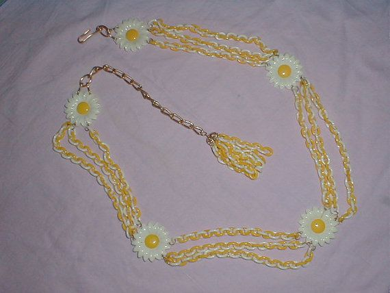 vintage plastic daisy chain belt necklace by qualityvintagejewels, $34.00