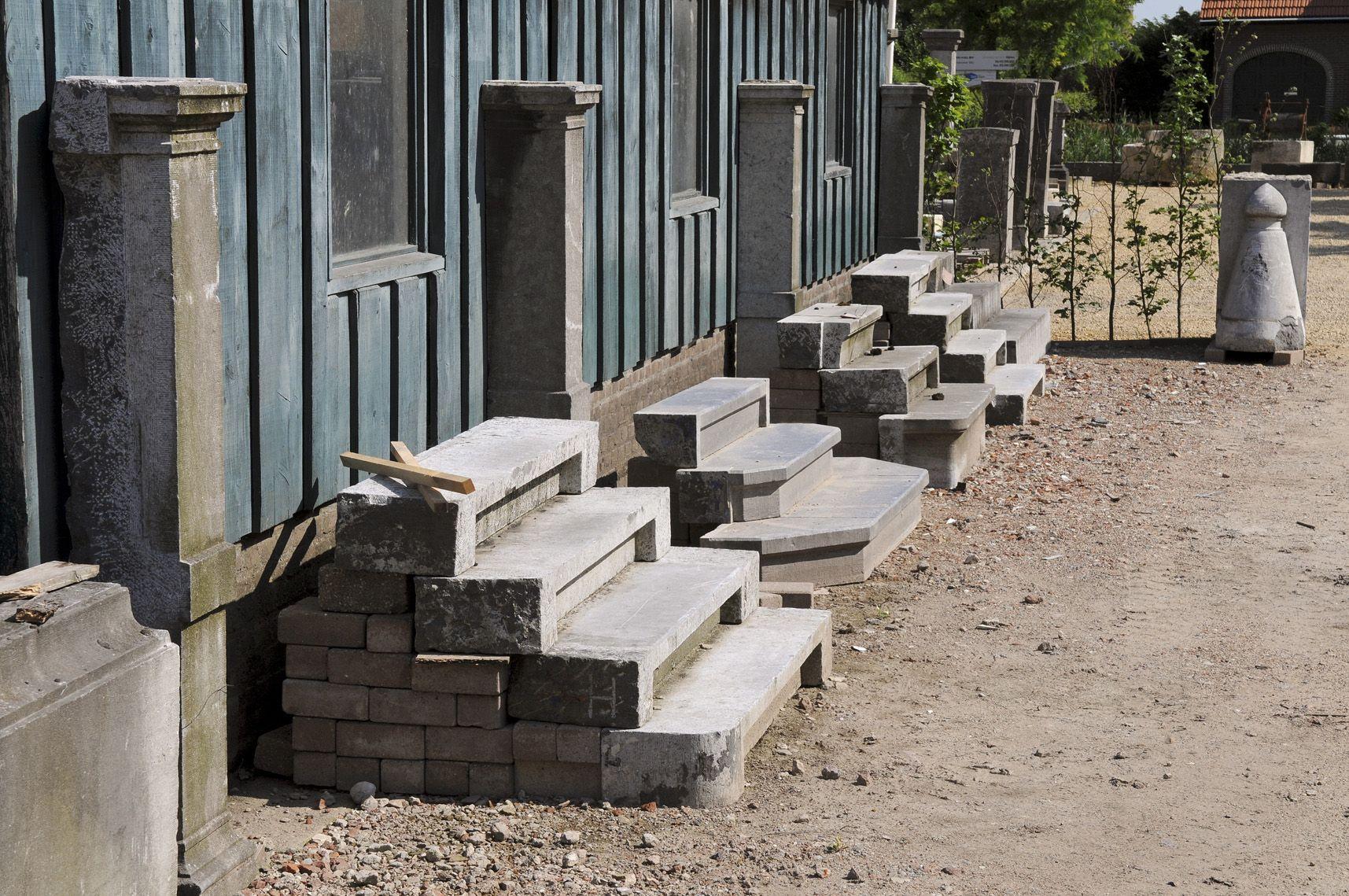 antieke en oude bouwmaterialen zoals oude gevel stenen
