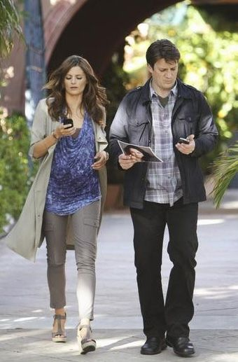 Castle – When Beckett heads to Los Angeles to track down a lead on the person she suspects of murdering her former partner, Castle tags along and visits the set of the movie adaptation of his book, Heat Wave.
