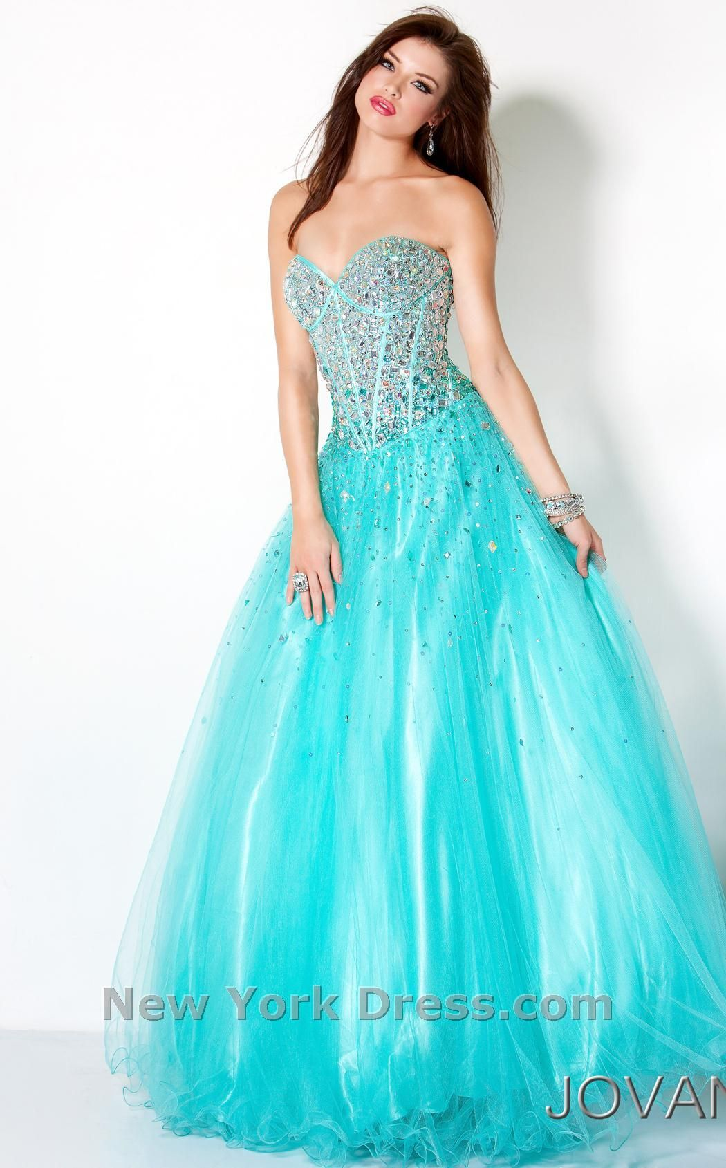 This dress is so awesome! Love EVERYTHING about it except that its ...