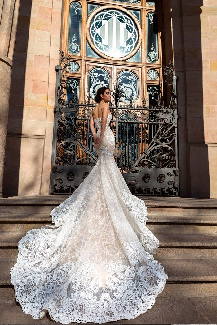 Sposa Moda 2018 wedding dresses – The Royal Collection