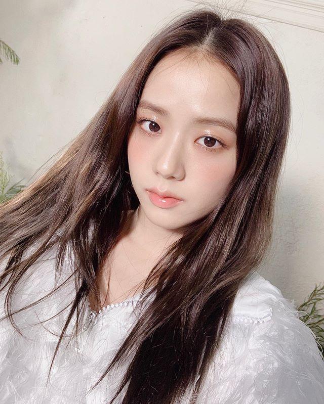 Blackpink Jisoo Cute Selca Aesthetic Soft Icon Kpop Girl Group Sooyaaa Instagram Bilder Og Videoer In 2020 Blackpink Jisoo Blackpink Kpop Girls