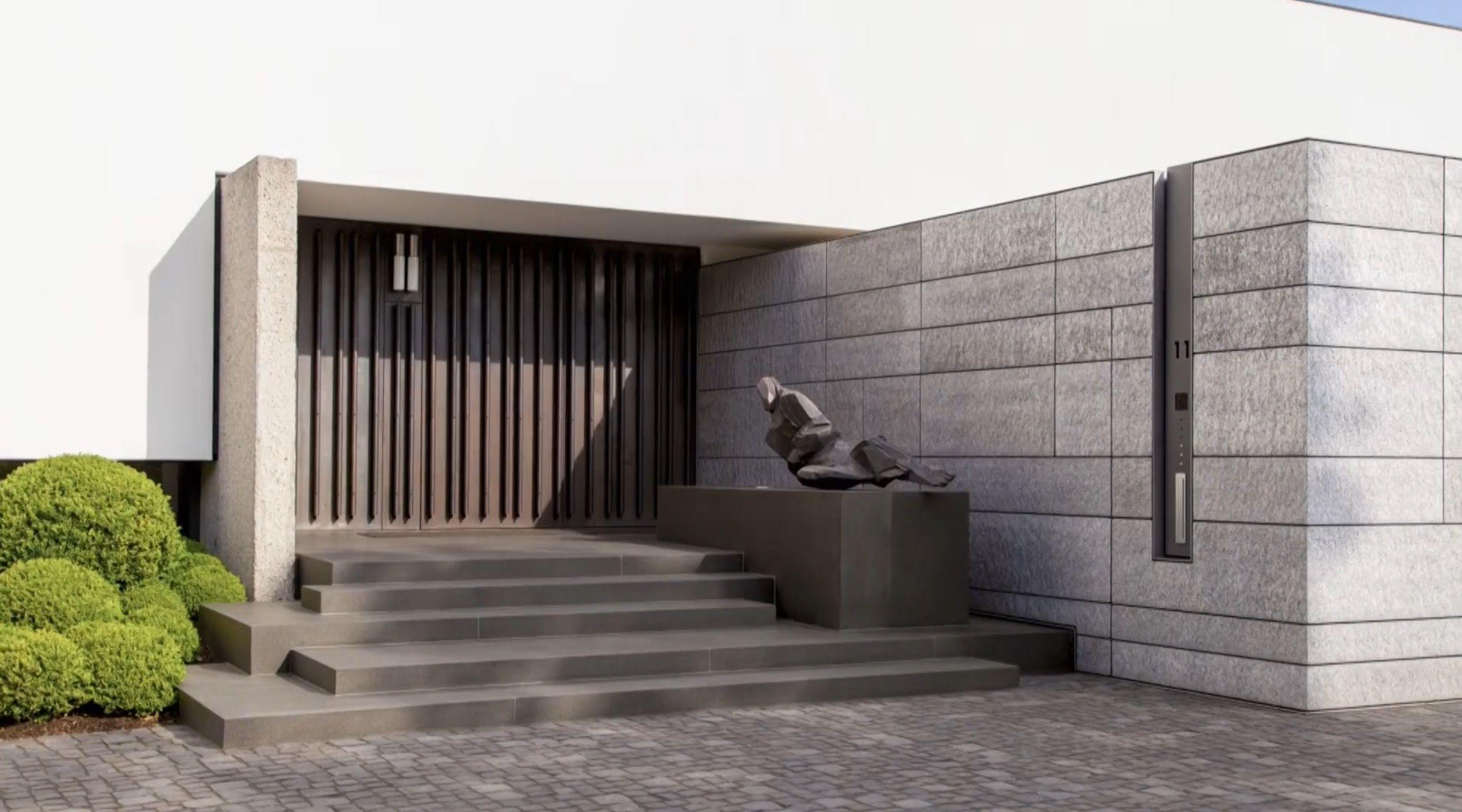 2 geschichte haus front design alexander brenner architects  bredeney house  photos by zooey