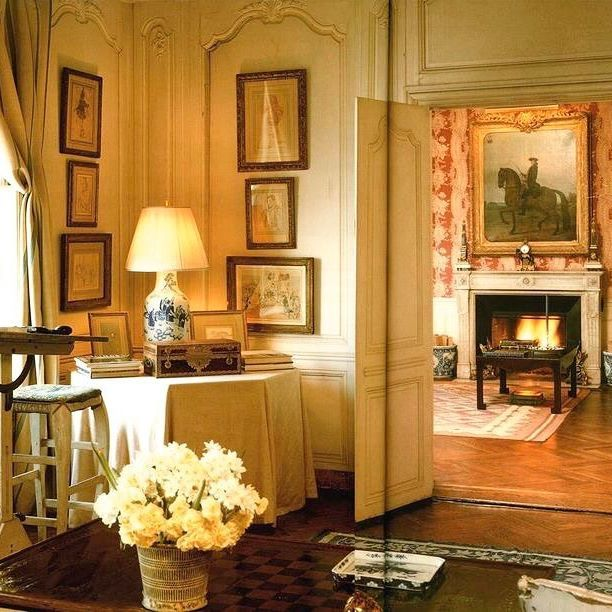 Jackie Kennedy S Apartment At 1040 Fifth Avenue After D The Contents Of Her Estate Were Auctioned Giving A Rare Insight Into Personal E