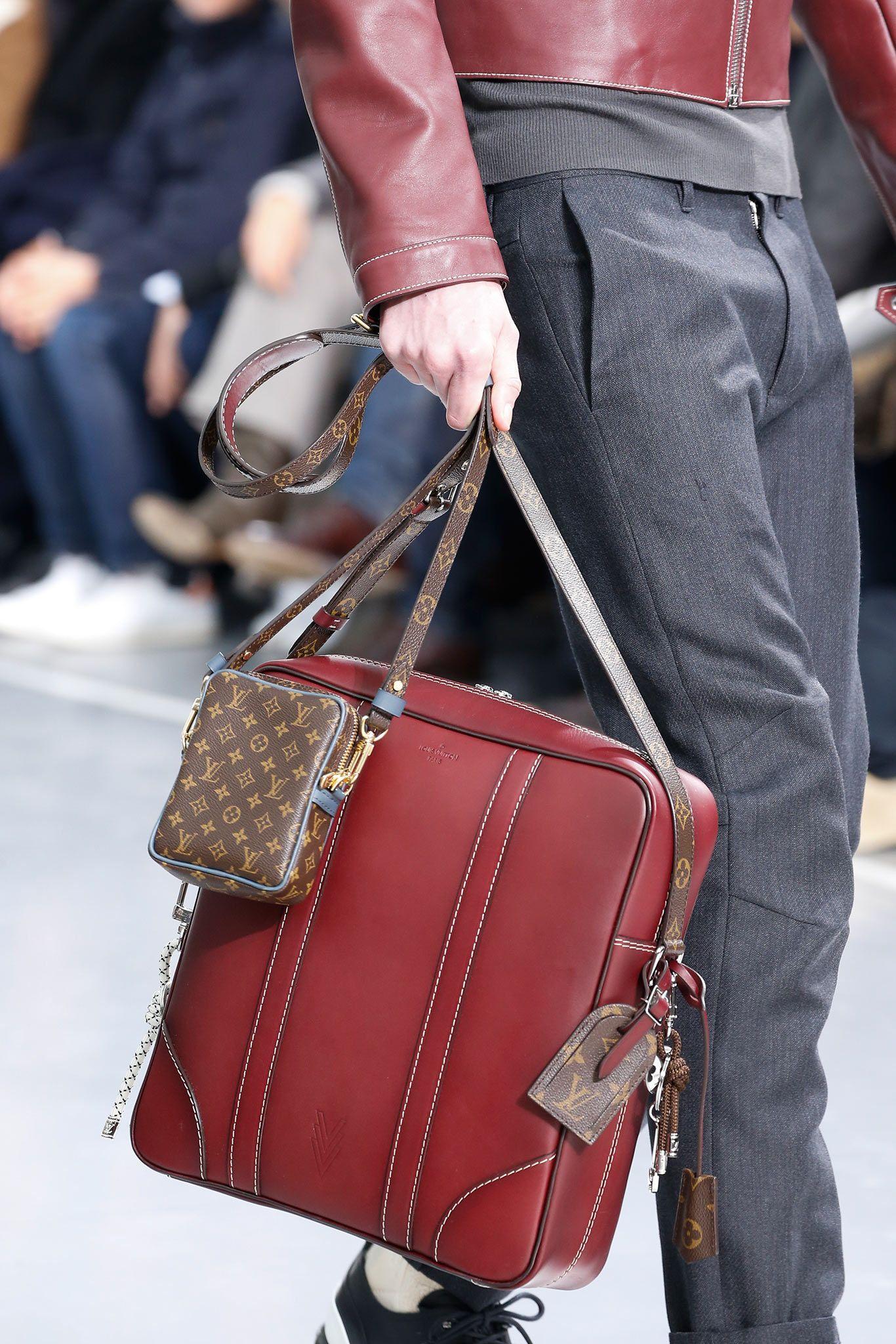 Louis Vuitton Fall 2015 Menswear Details Gallery Style Com Mens Leather Bag Man Bag Louis Vuitton Men