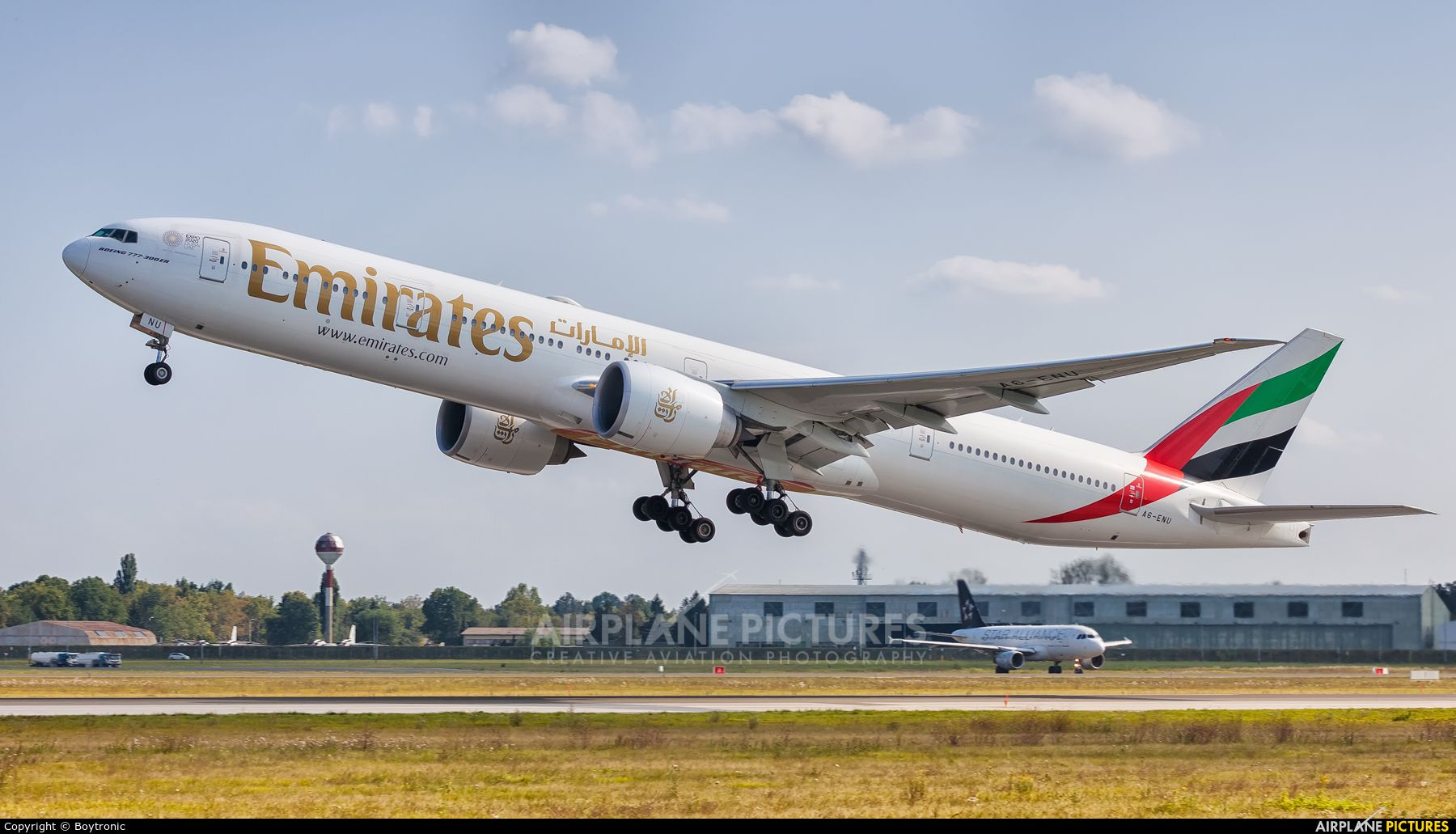 Emirates Airlines A6 Enu Aircraft At Zagreb Photo Boeing 777 Emirates Airline Boeing