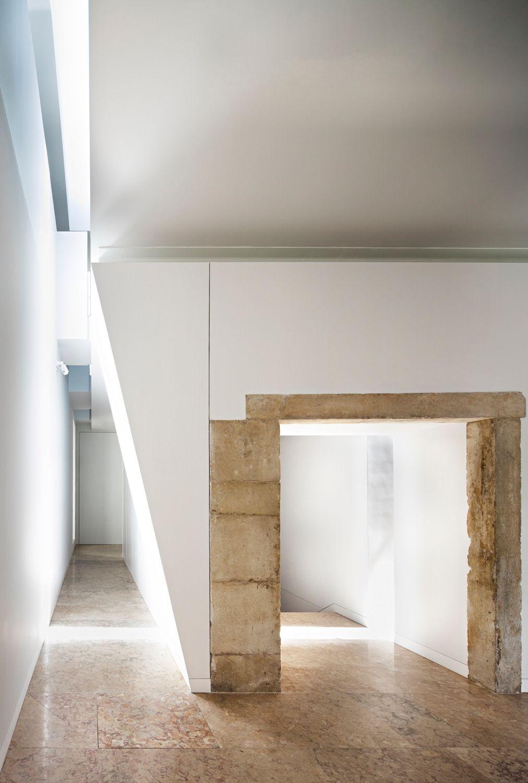 Ruine frisch getüncht - Umbau von Aires Mateus in Coimbra in ...