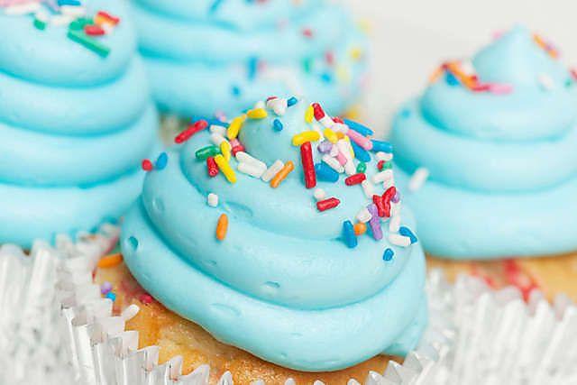 Cupcakes at Yolo Dessert Bar (Birmingham, AL). #cupcakes