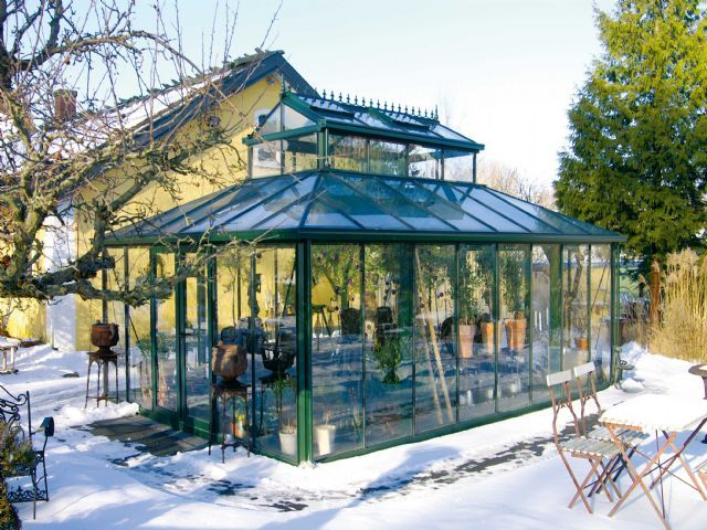Victorian Sunroom Buried In Snow This Much Snow Is Rare But If You Have A Glass Roof On Your Sunroom You Need Heat Tra Glass Roof Sunroom Construction Sunroom