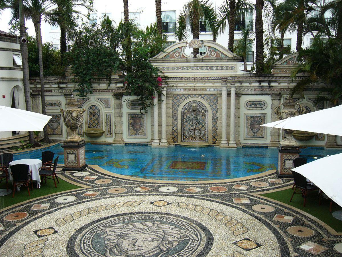 Versace Home Miami casa casuarina versace mansion miami florida 庭院