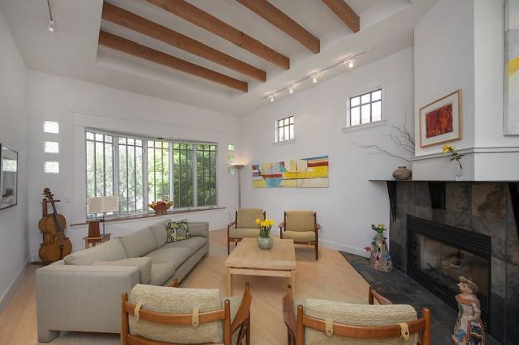20 Living Room Designs With Exposed Roof Beams Rilane We Aspire To Inspire Living Room Designs Room Design Roof Beam