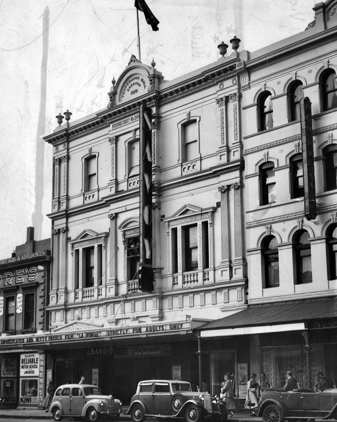1952. The Savoy Theatre, At 172 Russell St, A Cinema