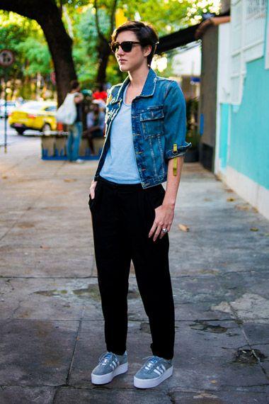 Looks do Rio com jaqueta jeans