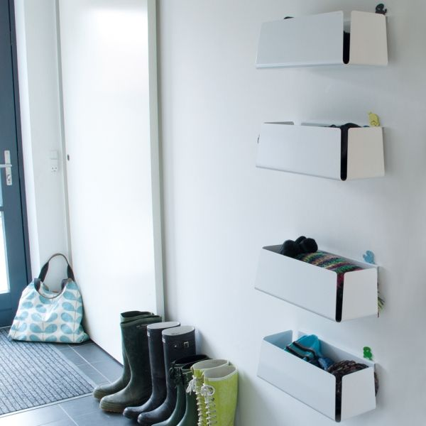 Cool opbevarings·boxe i hvid lakeret aluminium. STUFF·IT boxene fås i to praktiske størrelser på morfo.dk