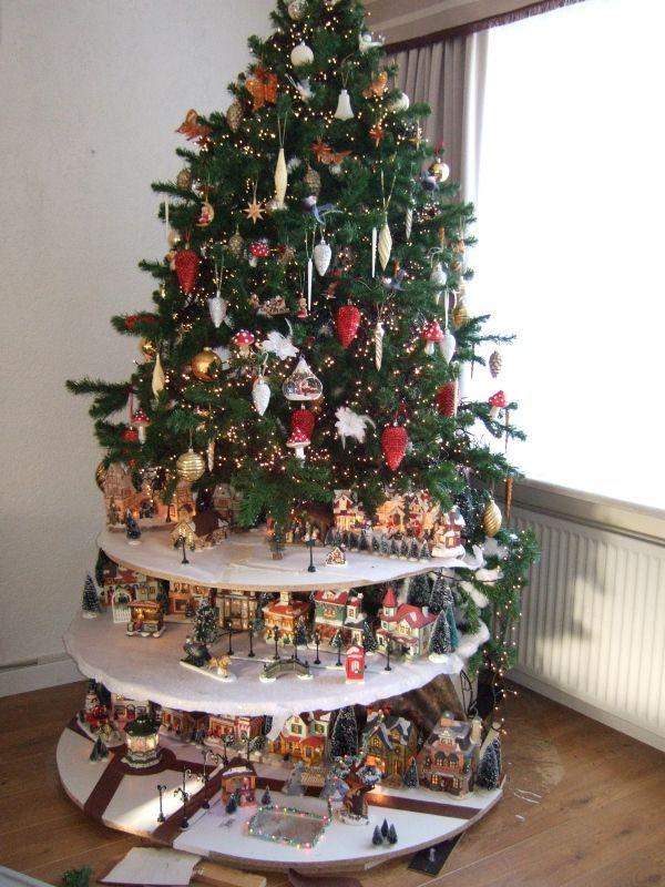 Christmas Decorations   BOOM ETAGE DORP,HEEL APART   Nonperest