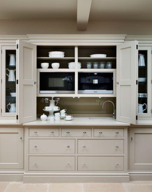 English kitchen by martin moore change to appliance for Plain english cupboards