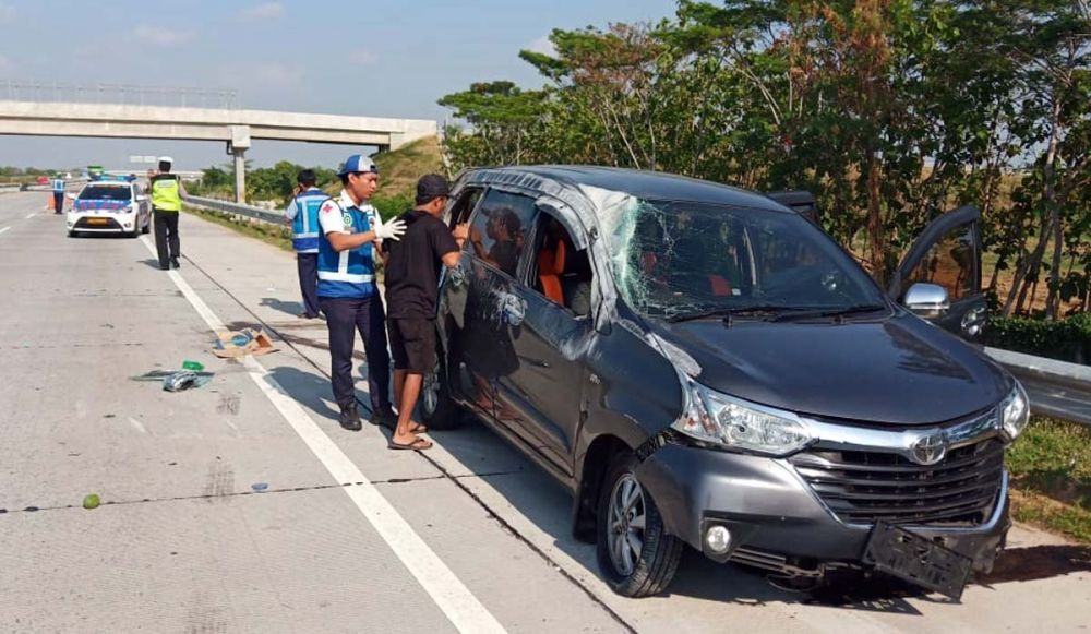 Mobil Rombongan Keluarga Asal Bali Kecelakaan Di Tol Gempol Toyota Kendaraan Mobil