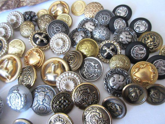 Vintage Buttons , Sewing , Art Buttons , Gold Buttons
