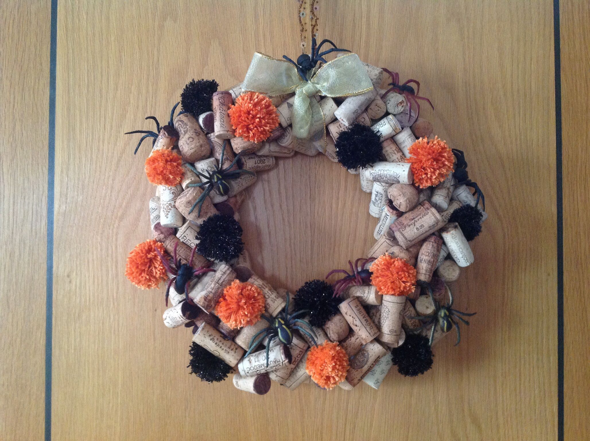halloween wreath with spiders and pom poms - Halloween Pom Poms