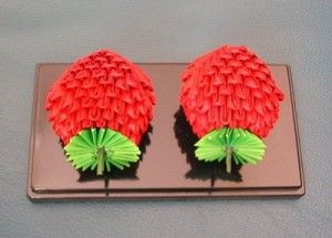 3D Origami Strawberry 300x215