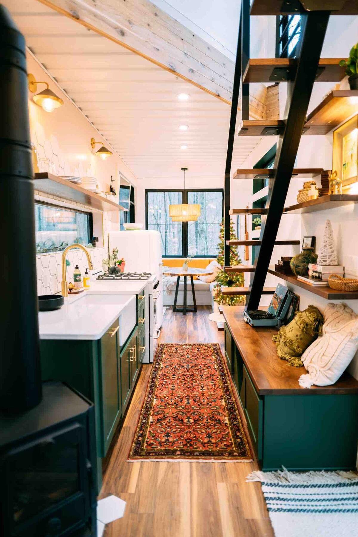 Photo of Une maison container avec un étage et une chambre en mezzanine – PLANETE DECO a homes world