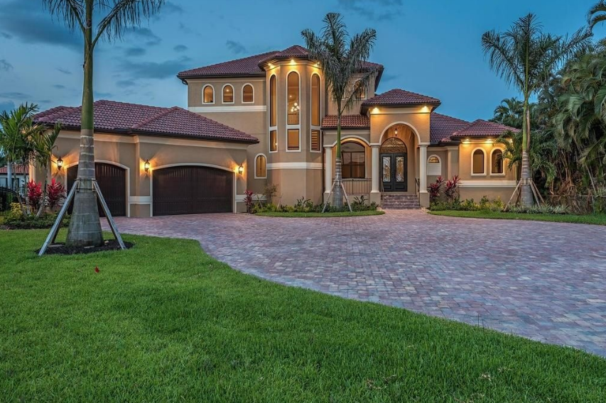 2 495 Million Newly Built Waterfront Home In Cape Coral Fl Waterfront Homes Luxury Homes Tiny Luxury