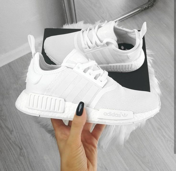 adidas Originals NMD in white / white // Photo: oliwyesoukupova (Instagram) -,  adidas Originals NMD in white / white // Photo: oliwyesoukupova (Instagram) -,