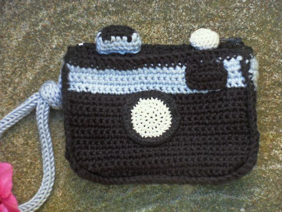 PDF Crochet Camera Case Pattern by Chicandsimplicity on Etsy, €2.50 #crochetcamera PDF Crochet Camera Case Pattern by Chicandsimplicity on Etsy, €2.50 #crochetcamera