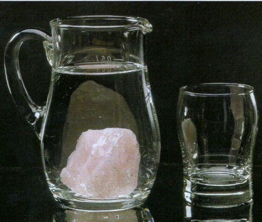 Beneficio de beber agua con cristales de cuarzo por @meredith976