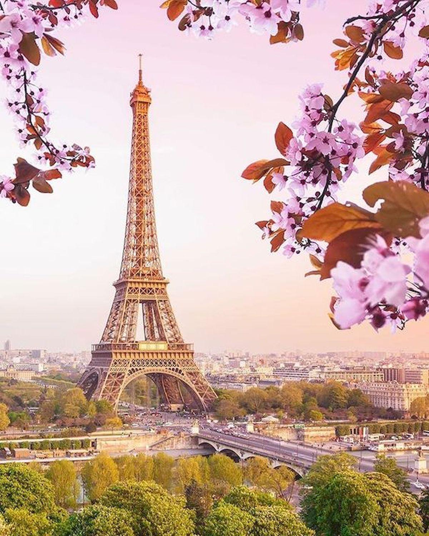 22 Best Summer Destinations - France Eiffel Towers View - watonmuni.com #eiffeltower