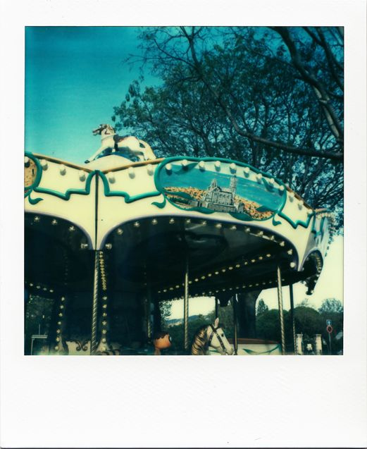 Manège - Parc Borely #Marseille #polaroid #manège #cheval #NotreDamedeLaGarde / www.marseillepolaroid2013.com