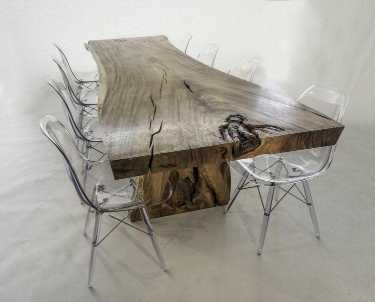 Charmant Table De Salle à Manger En Bois Noueux Et Fissuré Et Chaises En Acrylique
