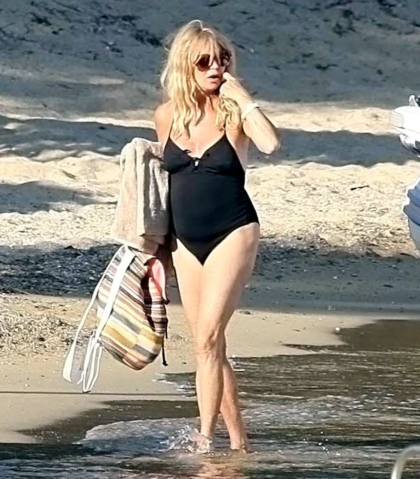 Celebrities Over 40 Wearing Bikinis | Pictures | POPSUGAR ...